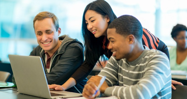 Online Jobs For Students: What's Available And Where To Apply