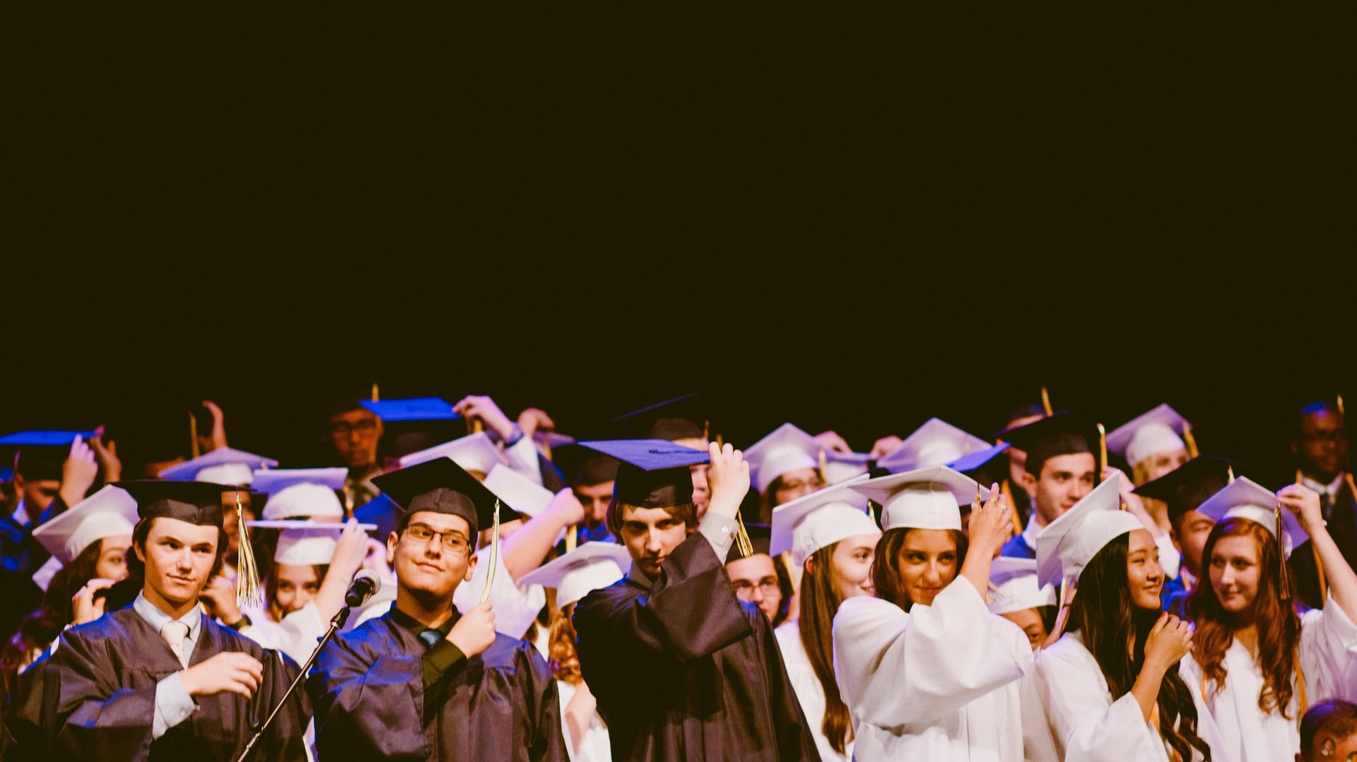 Side Gig Ideas For Fresh College Graduates
