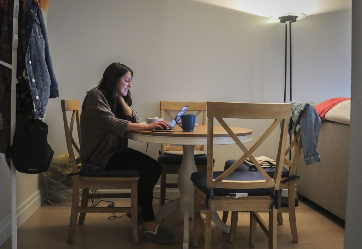 5 Careers That Will Make It Difficult To Work From Home When You Need To