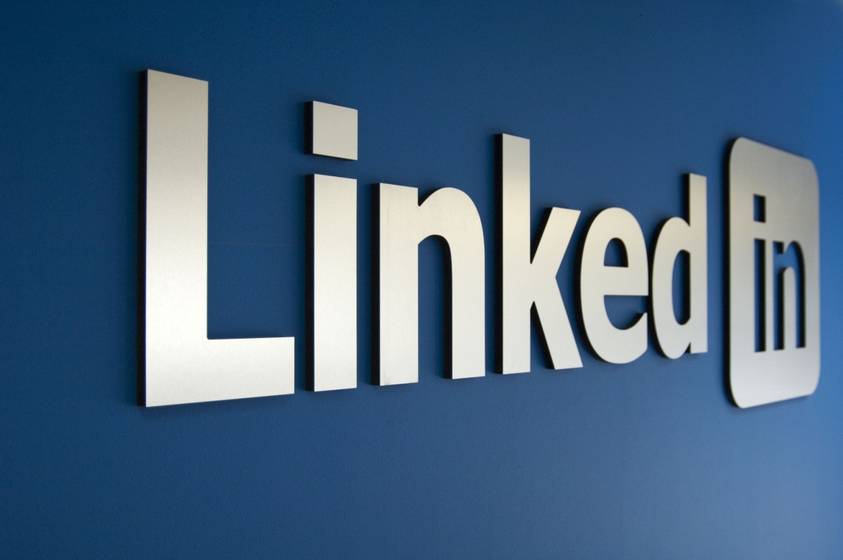 Discover the Best Day to Post on LinkedIn